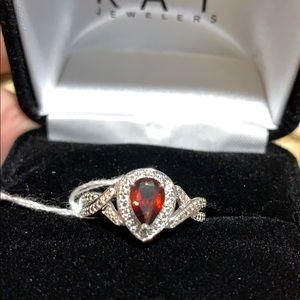 ❤️Garnet and diamond Ring